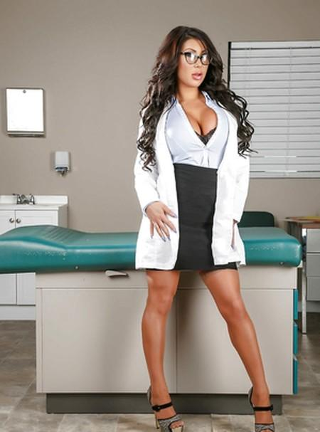 Doctor Adventures 2021 BraZZers Adult Video 720p HDRip 100MB Download & Watch Online